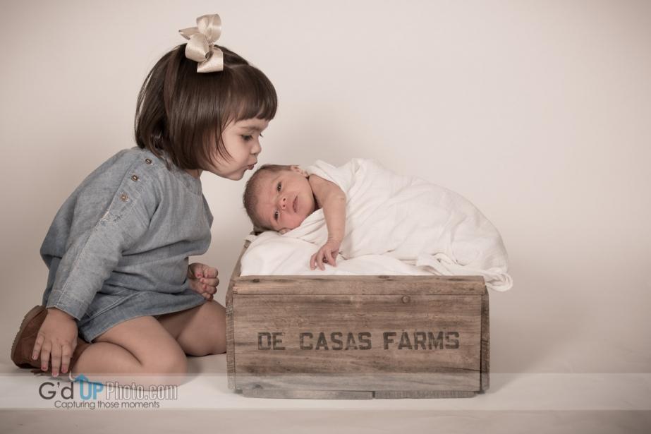 Baby Emery new born and De Casas family portraits.